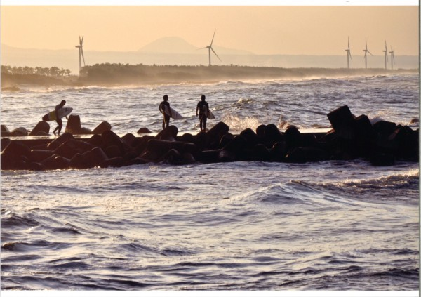 79サーファーの海